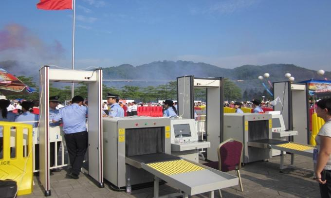 High Sensitivity Station X Ray Baggage Scanner at airport security